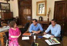 De izda a dcha: Encarna Pérez, subdelegada del Gobierno en Salamanca; Juan Luis Delgado, presidente; y Mariano Olea, gerente de ASAJA Salamanca. Foto: ASAJA Salamanca