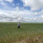Un joven agricultor, en la provincia de Salamanca. FOTO: VGA