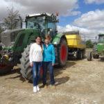 Dos mujeres agricultoras en la provincia de Salamanca. FOTO: VGA