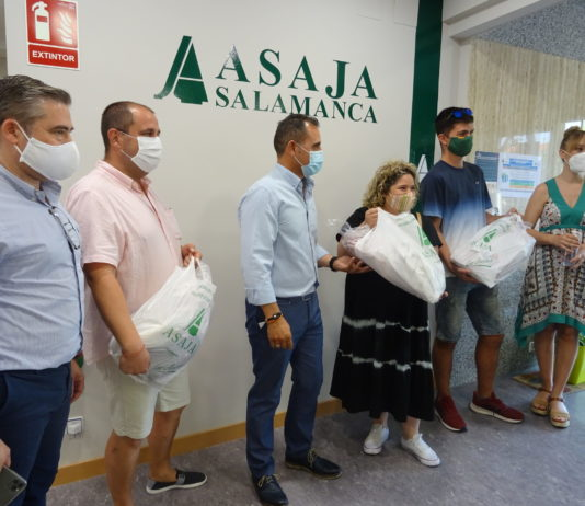 Entrega de premios en la sede de ASAJA Salamanca. FOTO: ASAJA Salamanca.