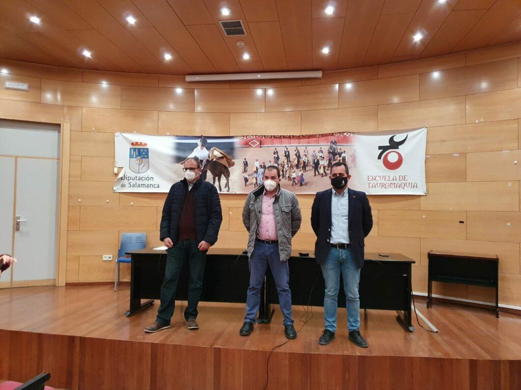 De izda a dcha, Carlos Sánchez (UPA), José Manuel Cortés (COAG) y Juan Luis Delgado (ASAJA Salamanca).