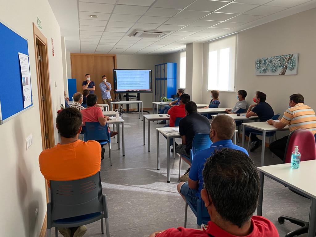 Jornada informativa sobre tarifas eléctricas, celebradas la sede de ASAJA Salamanca.