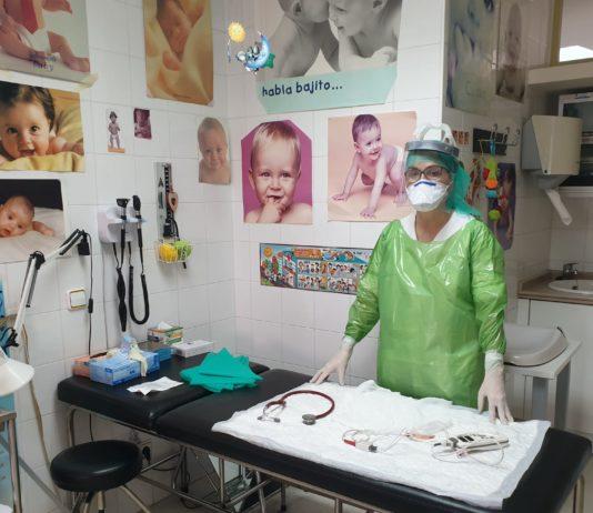 Primeras entregas del material para sanitarios elaborado por socias de Asaja Valladolid