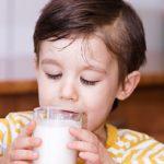 ¡Me gusta la leche y estoy sanísimo! ¡La tomo y la tomaré siempre!