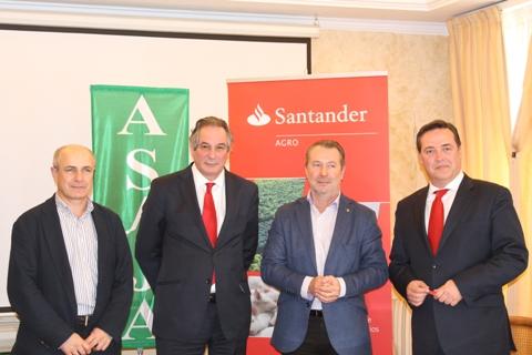 Banco Santander y ASAJA firman un acuerdo para facilitar productos y servicios financieros en condiciones ventajosas a agricultores y ganaderos