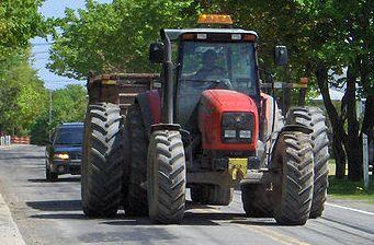 ASAJA consigue modificaciones en las autorizaciones para la circulación de vehículos agrícolas
